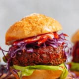 Burger végétarien BQQ fumé aux haricots noirs